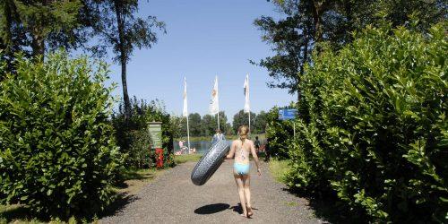 Op weg naar het strand vanuit camping de Kienehoef Sint-Oedenrode